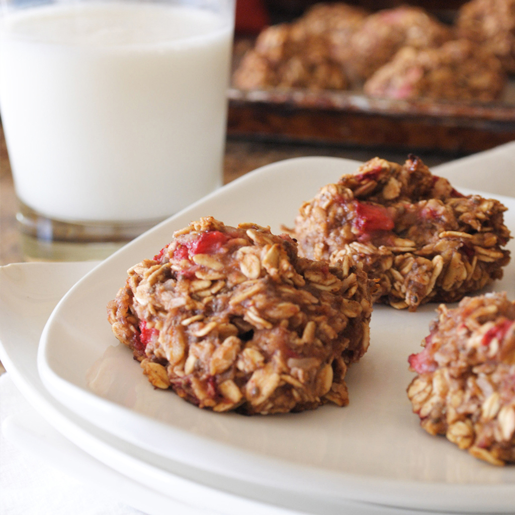 Healthy Strawberry Breakfast Cookies Recipe