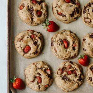 Strawberry Chocolate Chip Grain-Free Cookies